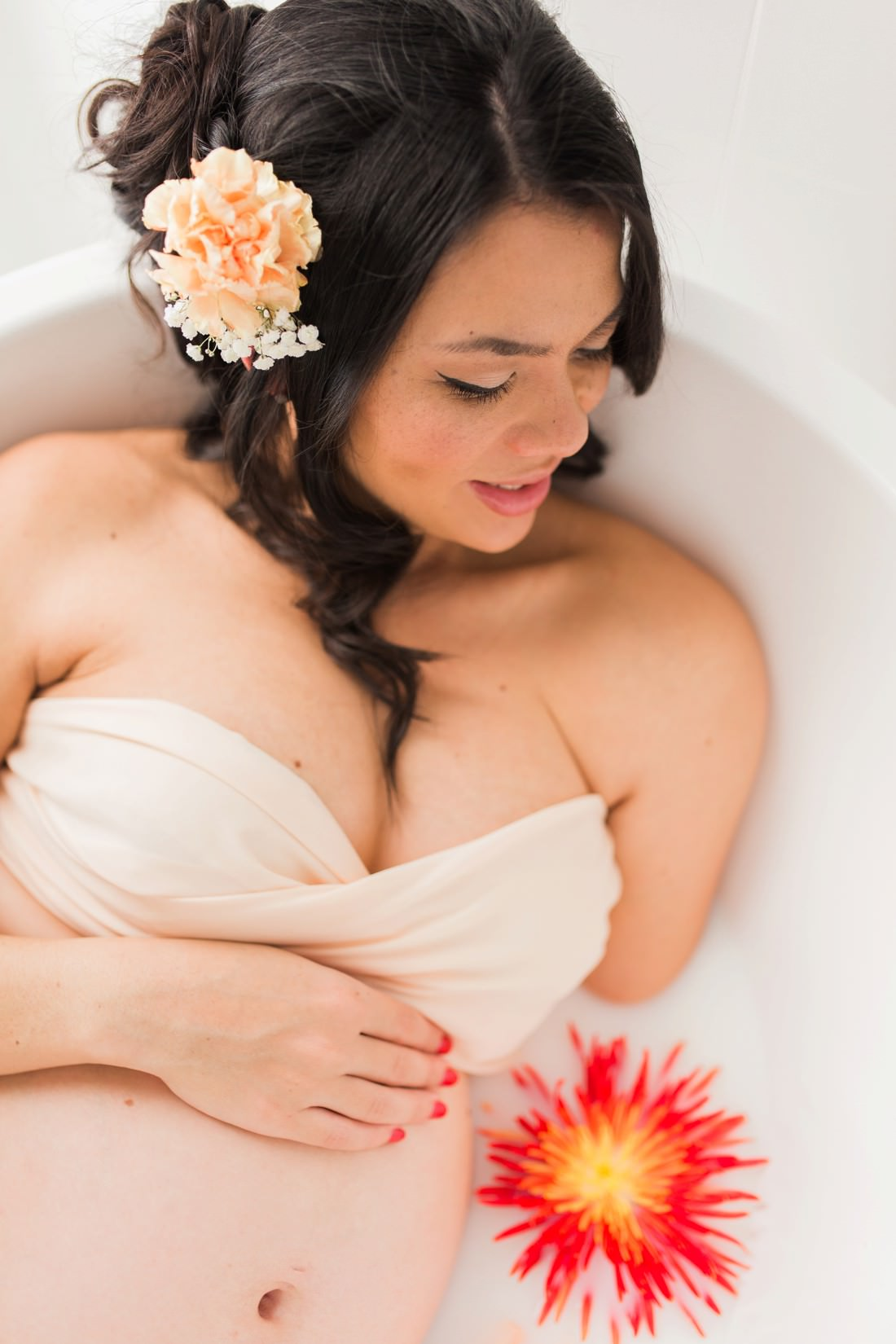 Milk bath pregnancy photoshoot by Mario Colli Photography